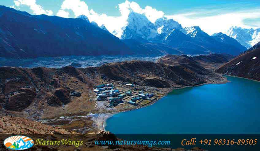 Nepal-Gokyo lakes-Valley